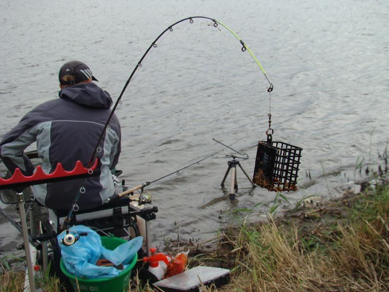 рыбалка на фидер с берега видео